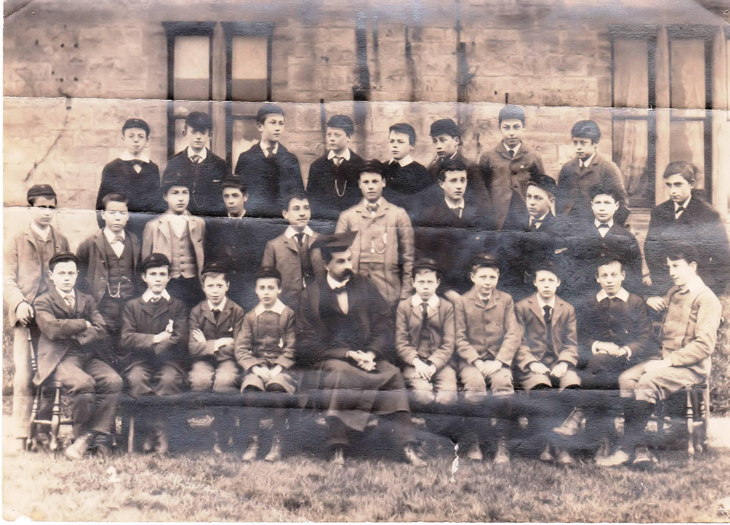 1898 Whole School  lower