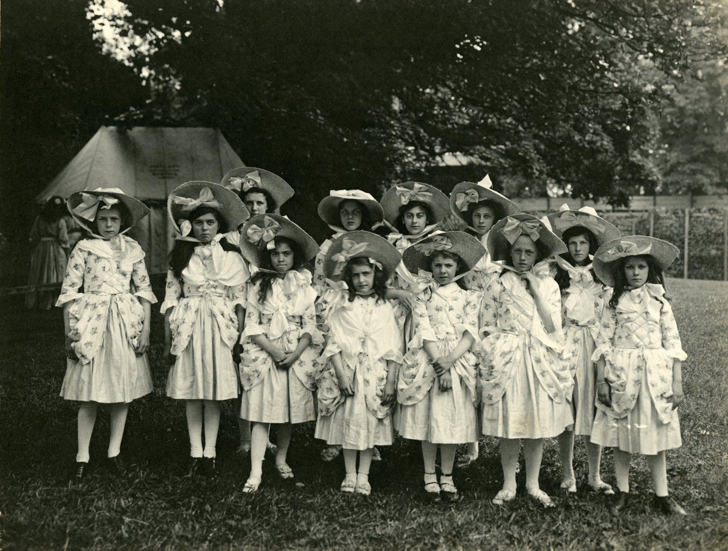 Episode 11, Maypole Dancers, girls (by J Benjamin Stone) 007