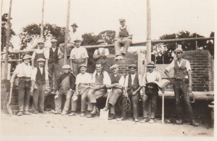 Hethfelton Building Site Men